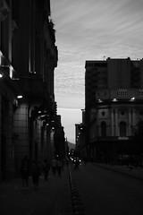 Centro de Santiago (Gonzalofn) Tags: santiago centro chile bw canon canon1300d canont6 50mm contraste atardecer sunrise edificios arquitectura architecture architecturelover plazadearmas plaza luces gente calle autos caminata pasion