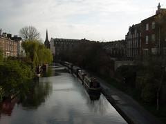 Regent's Canal (Fotorob) Tags: kade engeland allesmobiel wegenwaterbouwkwerken kanaal greaterlondon vaartuig waterwegwerfenhaven aanlegvoorziening binnenvaart overzicht england londonboroughofcamden