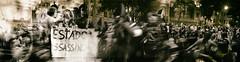 Rio em Transe (Luiz Baltar) Tags: baltar luizbaltar riodejaneiro rj brasil imagensdopovo mobgrafia mobgraphia iphone temmorador favelaemfoco foliadeimagens documentação humanista direitoshumanos ripper escoladefotógrafospopulares conradowessel premiobrasilfotografia artepara fotorio marciamello remoções militarização direitoàcidade cidade
