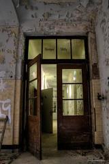 röntgen abtlg (Urban Tomb Raider) Tags: urbex urbanexploration decay abandoned abandonedhospital abandonedlungsanatorium urbandecay beautyofdecay urbexgermany canoneosm