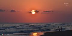 E' MATTINO !     in explore. (Salvatore Lo Faro) Tags: nature natura mare sole alba mattino spiaggia onde risacca cielo rosso nuvole riflessi rodi lidodelsole gargano italia italy nikon 7200 salvatore lofaro