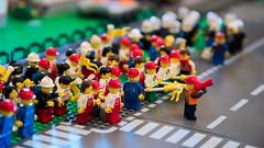 Lego Strike (Strocchi) Tags: lego strike sciopero canon eos6d 24105mm eventiemattonciniatuttolego bagnacavallo ravenna 2017