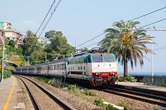 Trenitalia E444 064 (Maurizio Boi) Tags: railroad italy train rail railway locomotive treno tartaruga intercity trenitalia ferrovia locomotiva e444r