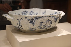 Anglų lietuvių žodynas. Žodis soup bowl reiškia sriubos dubuo lietuviškai.
