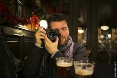 """311/365 : """"Etre photographe, c'est quoi ?"""" (Nutena) Tags: portrait photo friend drink ami bier bière verre projet photographe 365days 365project 365jours uneannéeenimages oneyearinimages"""