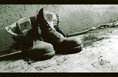 -- (PheCrew) Tags: old shoes scarpe vecchie soken phecrew