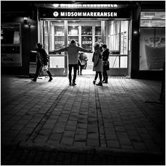 midsommarkransen (Flaxe) Tags: subway stockholm entrance midsommarkransen