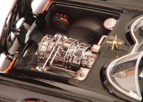 Batmobile_motore1