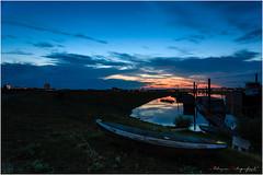 Boat by the river (nldazuu.com) Tags: arnhem bluehour bootje rijn zonsondergangen pley pleybrug blauweuur burgerlijkeschemering