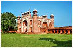 Agra IND - Taj Mahal Main Gate 01