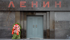 IMG_2742 (Cyril_Groue) Tags: november lenin red rouge novembre russia moscow tomb communist mausoleum soviet russie ussr tombe moscou urss communiste lenine mausolee 2013