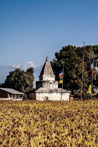 Stupa sur la route de Kakani
