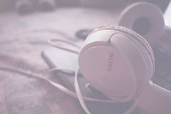 Music is what feelings sound like. (Lu_Indu) Tags: music musica auriculares headphones feelings sentimientos love tumblr tumblrphotography loneliness alone feel sentir girly sonido sounds sound quotes scape sony