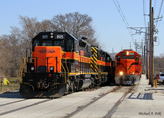 CSS 805 @ Miller, IN (Michael Polk) Tags: chicago south shore bend railroad freight train sd382 gp382 iowa interstate miller indiana gary electric mainline meet emd af4 af5