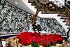 Leonard's Palazzo V (joeclin) Tags: amateur 2000s northamerica america unitedstates usa longisland li nassaucounty northhempstead greatneck leonardspalazzo cateringhall weddingreception canonpowershotsd500 indoor sculpture art flowers color stairs interior