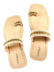 handmade-kolhapuri-chappal-for-women (Artisna) Tags: handmade kolhapuri chappal fashion