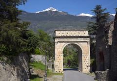 Arco di Augusto (albireo 2006) Tags: arcodiaugusto susa piemonte piedmont arch alps romanarchitecture valdisusa
