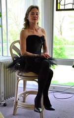 DSC_0044jj (ARDENT PHOTOGRAPHER) Tags: muscular flexing calves granny grannies skinnywomen highheels biceps