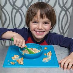 Avis d'experte sur les troubles de l'alimentation et l'autisme (HopToys) Tags: de nombreux enfants avec autisme présentent des troubles l'alimentation pour comprendre les enjeux et problématiques nous avons interrogé marie ruffier bourdet ergothérapeute sur dijon en cabinet libéral cette experte développé une approche évaluation globale difficultés autour du repas un accompagnement pouvezvous vous présenter je reçois …