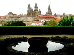 (PGARCIA.) Tags: santiagodecompostela galicia españa paisaje caminodesantiago agua vistas verde catedral ciudad spain