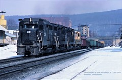 .(SEE & HEAR)-CR 2216, Emmaus, PA. 3-11-1978 (jackdk) Tags: train railroad railway locomotive emd emdgp30 gp30 cr conrail penncentral pc rdg reading readingline readingrailroad emmaus emmauspa freighttrain freight locomtive standardcab seeandhear seehear