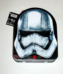 star wars easter rogue one 2017 milk chocolate captain phasma arch tin with 6 australian made milk chocolate eggs park avenue bnwt b (tjparkside) Tags: captain phasma arch tin with 6 australian made milk chocolate eggs star wars easter chocolates holiday merchandise australia rogue one 1 imperial death trooper park avenue disney 2017 tfa force awakens episode vii seven 7 r1 story tie fighter fighters atat walker walkers