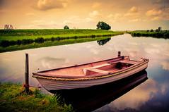 boat (aminekaytoni) Tags: boat lac lake water sky natur nature eau bateau ciel canon 50d 17 85mm landscape