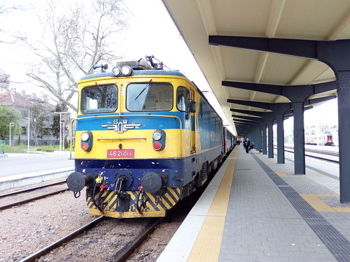 46 205 with Fast train from Burgas to Sofia via Plovdiv. 46 125 with regio train from Burgas to Sliven.