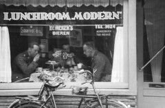 langestraat 96 lunchroom 1941 (Regionaal Archief Alkmaar Commons) Tags: alkmaar tweedewereldoorlog secondworldwar wehrmacht bezetting wo2 ww2 nazi