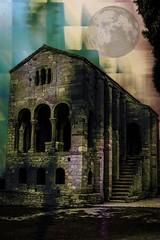 Santa María del Naranco (seguicollar) Tags: arquitectura naranco asturias edificio palacio aularegia ramiroi prerrománico arcos fachadas piedras columnas escalera luna paisaje