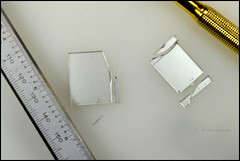 Glass Cutter with Oil (03) (Hans Kerensky) Tags: glass cutter oil cutting optical mirror edge side stripe problem