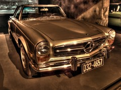 Mercedes-Benz 280SL (Matthias Harbers) Tags: auto car japan shop museum photoshop canon germany tokyo 1971 powershot mercedesbenz labs dxo oldtimer odaiba hdr minato ausstellung cardealer topaz carmuseum g11 youngtimer wagen 280sl automobil automuseum 3xp photomatix toyotamegaweb tonemapped