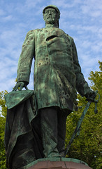Otto von Bismarck (Paul 'Tuna' Turner) Tags: city travel vacation sculpture holiday berlin monument statue germany deutschland memorial europe eu german mitte tiergarten europeanunion deutsch westberlin capitalcity ottovonbismarck reinholdbegas grosserstern bronzememorial monumenttoottovonbismarck