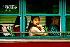 (Its Me Jegan) Tags: travel india bus girl photography nikon photojournalism journey nikkor manali nikond200 streelife nikkor18200mm
