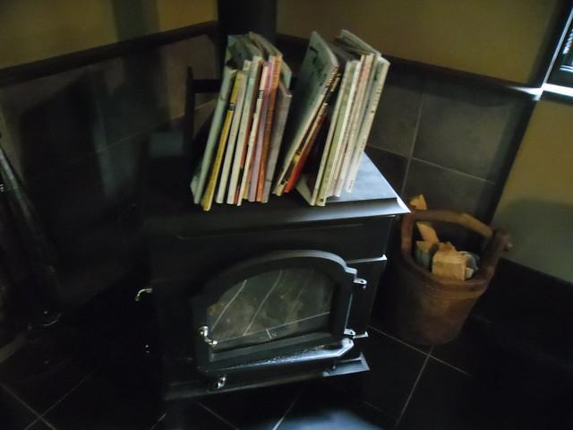 店内には暖炉も。|