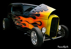 '32 Ford Hot Rod (Photos By Vic) Tags: old ford car 1932 vintage automobile antique flames hotrod vehicle 32 carshow
