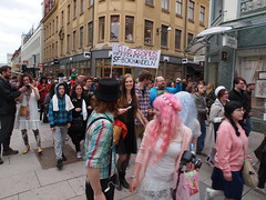 P5251185 (andersripa) Tags: startrek göteborg starwars sweden gothenburg may manga fantasy doctorwho batman sciencefiction sverige hitchhiker tardis maj 2013 götalejon candersripa sfbok wwwsfbokse