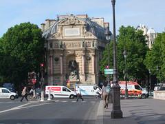 Place St-Michel (Simon_K) Tags: bridge paris france seine quai parisian francais parisien pariswander pariswanderblogspotcouk randonnierflaneurflaneriespariswanderblogspotcouk
