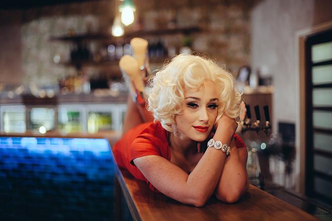 Blonde_324