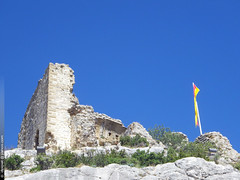 le chteau d'Aureille (Dominique Lenoir) Tags: france photo ruins provence chteau castel ruines southfrance bouchesdurhne aureille castellas 13930 dominiquelenoir