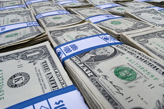 Money_014 (Barta IV) Tags: money us bills notes capital rich cash dollar wealthy georgewashington clams tender commodity wealth greenbacks riches funds moola smackers curency
