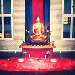 Vajragupta, Berlin Buddhistische Tor, Deutschland.                        Hello there, here is the Urban Retreat shrine at the Berlin Buddhist Centre. I'm staying here for the week and taking part in the urban retreat here… The Berlin Centre opened in its
