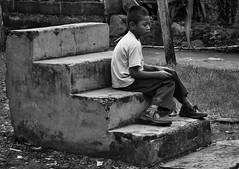 Soledad (Fotoshuelva) Tags: street boy white black blanco stairs 35mm calle julian loneliness fuji f14 negro  escalera soledad nio fujinon perez xpro1 fotoshuelva