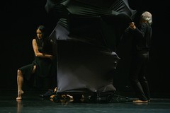 Je danse parce que me méfie des mots | Kaori & Hiroshi Ito (Osterfestival Tirol I musik +) Tags: osterfestival tirol festival kaoriito dance contemporarydance japan france tanz hiroshiito europa kultur vater tochter father daughter contemporary choreography performance japanese european culture