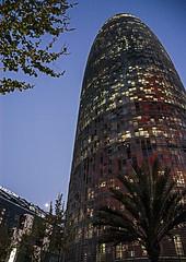 D3449-Torre AGBAR (Barcelona) -I- (Eduardo Arias Rábanos) Tags: arquitectura architecture rascacielo skyscraper edificio building agbar torreagbar cielo sky jeannouvel eduardoarias eduardoariasrábanos nikon d100