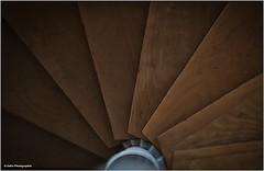Fächer (geka_photo) Tags: gekaphoto malente schleswigholstein deutschland treppe treppenaus architektur wendeltreppe holz
