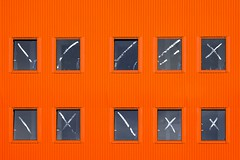 Coccinelle urbaine (Isa-belle33) Tags: architecture urban urbain city ville windows fenêtres wall mur colors couleurs orange aquitaine charente fuji fujifilm fujixt1