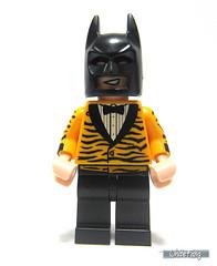 Tiger Tuxedo Batman (WhiteFang (Eurobricks)) Tags: lego batman movie review polybag cat costume tuxedo print pod case suit outfit colour colourful coat hero superhero dc comic