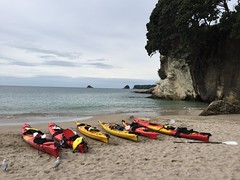 Cathedral Cove (eyair) Tags: ashmashashmash nz newzealand coromandel cathedralcove kayak