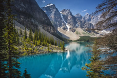 Window on Moraine lake (#Explored 31-03-2017) (wimvandemeerendonk, quite busy at the moment with ) Tags: morainelake bright reflection rock rocks colour color colors colours contrast green sony tree sun outdoors wild wimvandem canada banff alberta sigma mountain blue forest heaven icefield landscape land mountainscape monumental nature national park outdoor sky snow trees valley water nationalpark light panorama